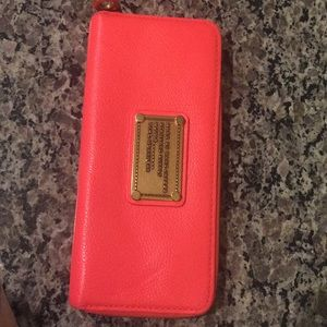 Coral Marc Jacobs q slim wallet limited edition